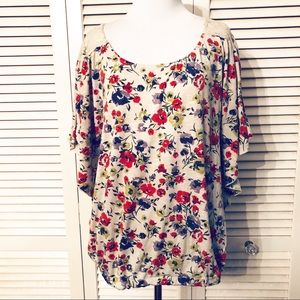 Mimi Chica | 🌺Floral Batwing Blouse